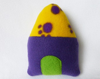 Puppy Toy Dog House - Purple With Yellow Roof