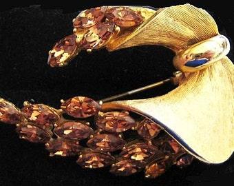 "Designer Brooch Pin Signed BSK Honey Topaz Rhinestones Gold Metal Swag Wreath 2 1/4"" Vintage"