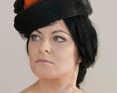 Hat pillbox with satin and veil