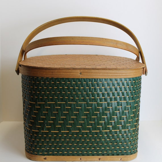 Picnic Basket Pie : Vintage hawkeye woven green picnic basket pie carrier