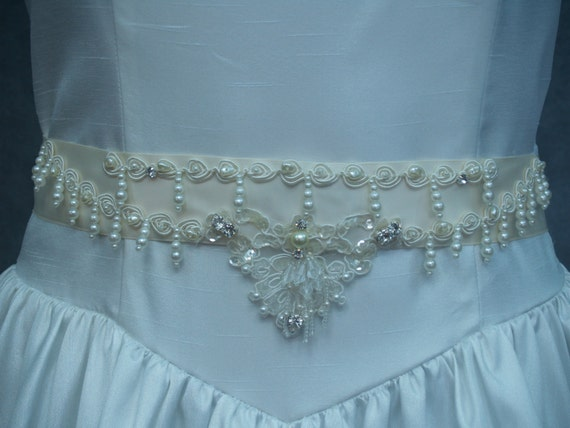 Bridal Gown Sash Ivory pearls and sequins applique,Victorian,Great Gatsby Style,Old Hollywood Fancy Belt, Pearl Drop Beading,Off White,Cream