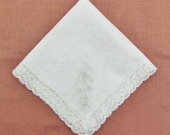 Vintage hanky with Madeira embroidery and lace trim