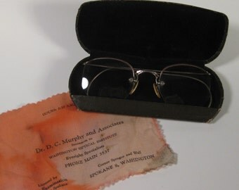 Vintage Etched 12K GF Eye Glasses with Case