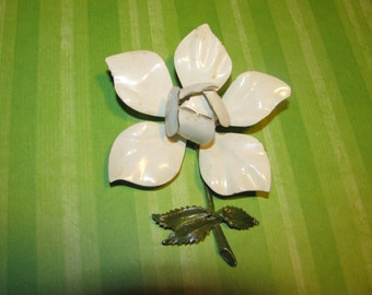 Vintage White Enamel Flower Brooch Pin