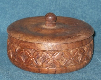 Small Round Carved Wood Trinket Box Vintage