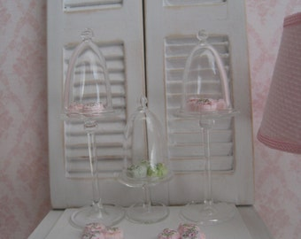 Dollhouse glass stand & dome