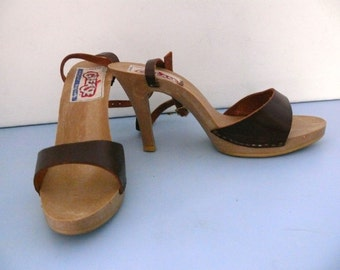Sandy Grease Shoes