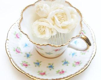 White Rose Flower Hair Comb