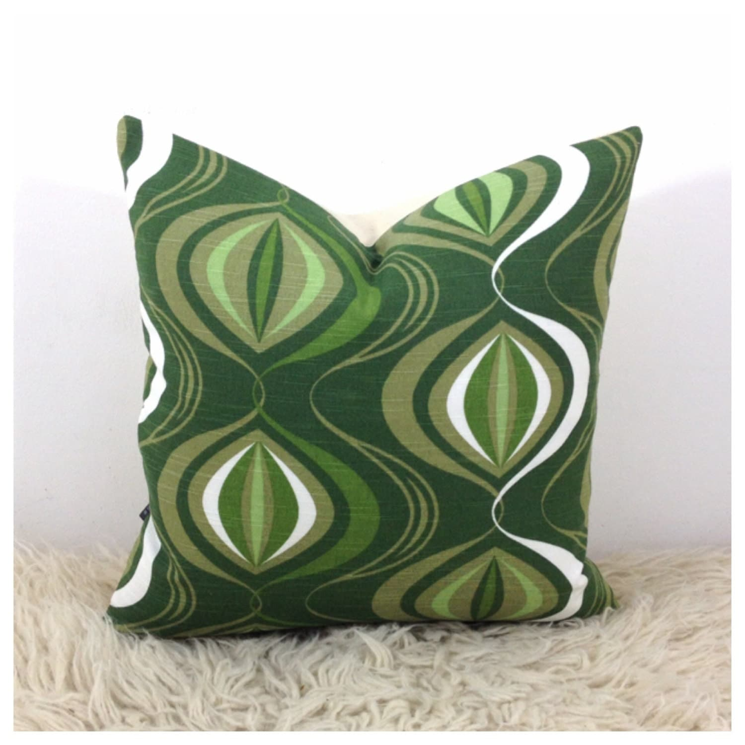 Throw Pillow Cover Fabric : Throw Pillow Cover 1970s Vintage Fabric 16 x 16