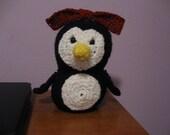Mrs. Penguin crochet pattern PDF file