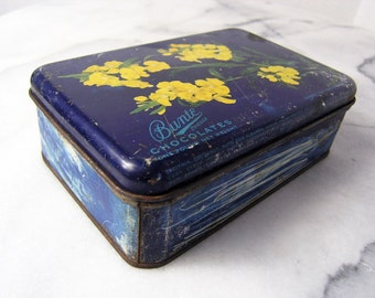 Vintage Tin Box, 1940s 1950s Bunte Chocolates Chicago Tin Box, Shabby Chic Blue with Yellow Flowers Metal Box, Chicago IL Souvenir