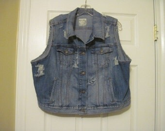 Womens denim cut off cropped jacket/vest  size XXL frayed/ripped/destroyed