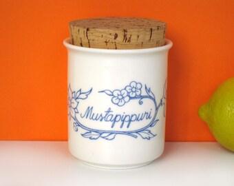 Arabia Finland spice jar, cork lid, black pepper, Raija Uosikkinen