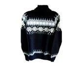 Vintage NOS Dale of Norway Winter Norwegian Icelandic Ski Sweater in Black Pewter Gray White Snowflake Womans Wool Turtleneck Ski Sweater