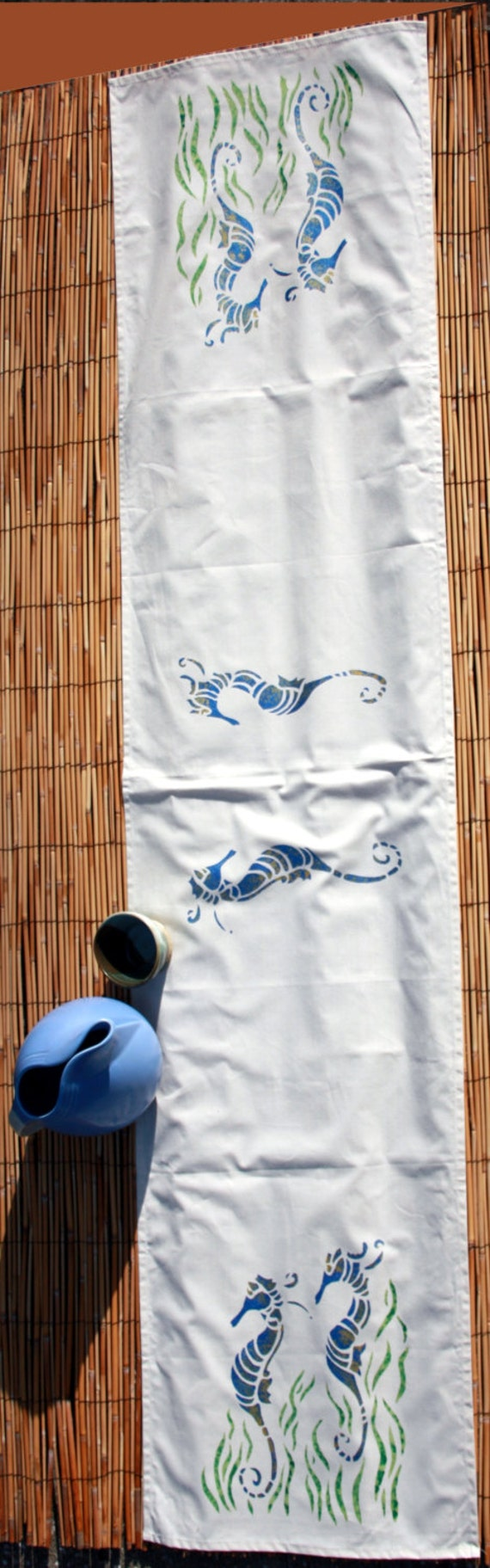 Seahorse with seagrass 6 foot table runner for 10 foot table runner