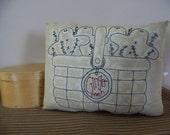 Primitive Gingerbread Men Stitchery Pillow Holiday Decor