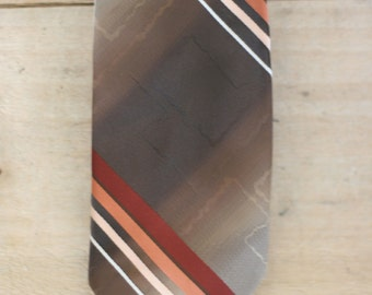 vintage oleg cassini tie from young quinlans