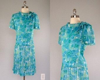 Vintage 1960s Dress, 60s Dress, 1960s Suit Set, 60s 2 pc Dress, 1960s Blouse and Skirt Set, Pleat Skirt, Bow Tie Blouse, Floral Dress, Large
