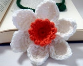 Crochet flower bookmark daffodil white and peach with green leaf ocean coral and forest green