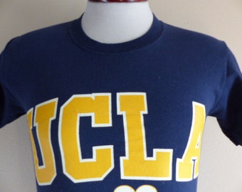 GO Bruins vintage 90's UCLA university of California Los Angeles Film and Theater navy blue yellow logo graphic t-shirt crew neck tee MD