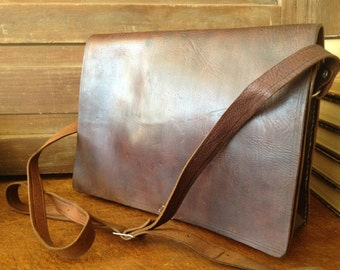 Rustic Vintage Dark Brown Leather Saddle Bag Messenger Briefcase