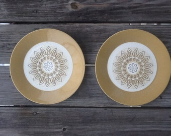 Vintage Flower Plate, Set of Two