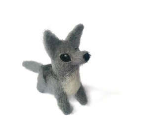Needle Felted Wolf Pup, Miniature Amigurumi Soft Sculpture (Husky - Wolf)