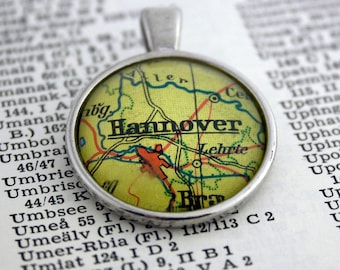NECKLACE or KEYCHAIN Germany, HANNOVER, Map-Pendant, Cabochon, Glass, Atlas, Vintage, Jewlery
