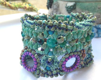 Beaded Blue and Purple Bracelet, Beadwoven Bracelet, Purple Bracelet
