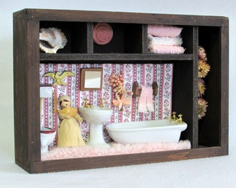 Charmant Pink Shag Carpeting And Porcelain Fixtures With Gold Hardware   1970s  Diorama   Bathroom Shadow Box