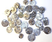 Movements, Lot of 30 vintage mechanical watch movements, watch parts mixed media jewelery lot, big movements