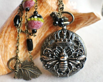 Bumble Bee and Crown watch pendant, pocket watch with silver crown and bumble bee on front pendant case cover