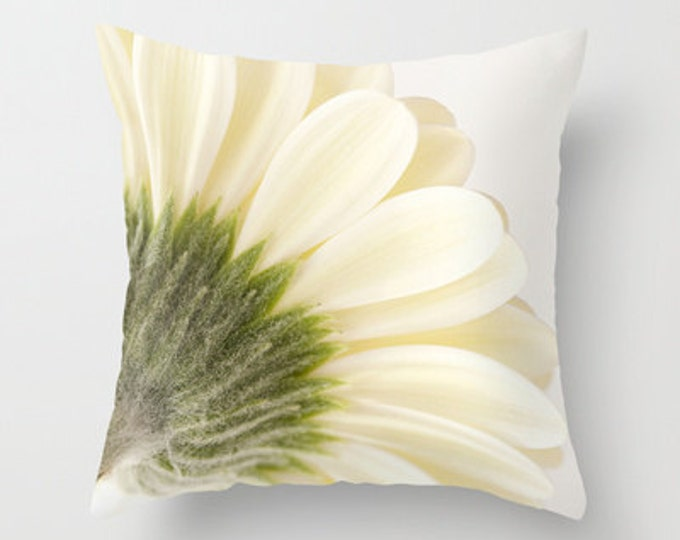 Gerbera Daisy Photo Throw Pillow, Throw Pillow, Flower Pillow, Botanical, Flower Photography, Photography