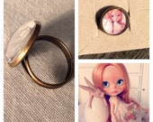 Blythe doll ring - adjustable cabochon ring with cute blythe doll face - OOAK