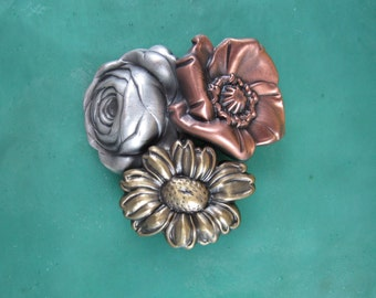 Gifts for Gardeners- Flower Brooch- Gardeners Brooch- Gifts for Gardeners