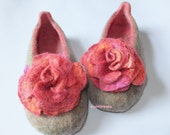 Woman house shoes, felt slippers ROSE with rose brooch, flower set, olive green, pink and peach natural wool
