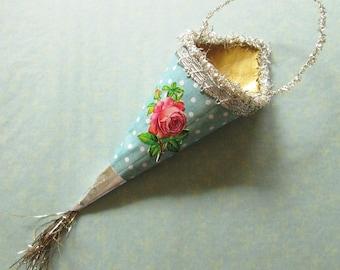 Victorian Gift Cone / Ornament / Rose