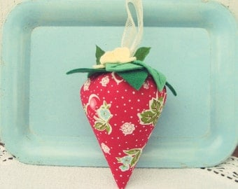 sweet strawberry:made-to-order