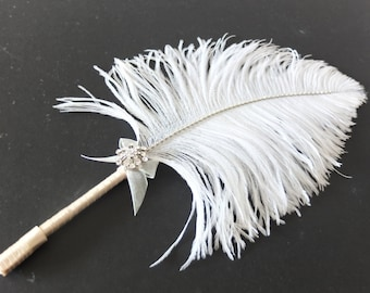 Medium Ostrich Feather Pen with Sparkling Brooch / Ivory Feather Pen/ Wedding Signing Pen / Guest Book Pen / Wedding Reception Accessories
