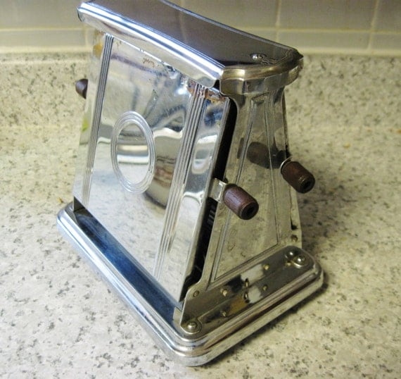Antique Electric Toasters ~ Vintage flip side electric toaster universal by landers frary