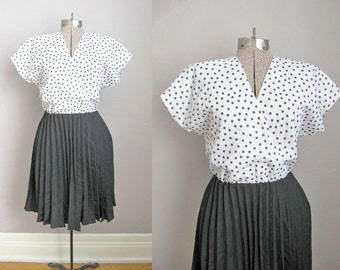Vintage 1970s Dress Black and White Twofer Secretary Dress Pleated Skirt / Medium