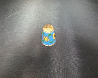 Beautiful and collectible Gold cloisonne thimble
