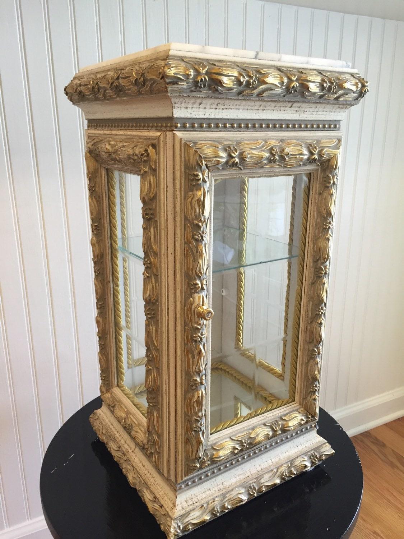 captivatiing curio cabinet vitrine baroque rococo regency. Black Bedroom Furniture Sets. Home Design Ideas