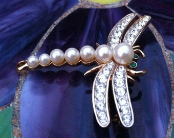 Vintage dragonflyy brooch with pearls and clear rhinestones