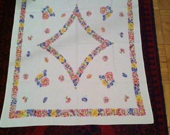 Vintage floral print table cloth