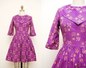 Vintage 50s Purple & Yellow Rose Printed Cotton Mini Dress / Spring Day Dress / Full Skirt / XS