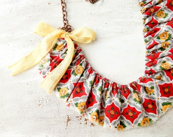Fabric necklace / fabric bib necklace / ruffle necklace / vintage fabric / fabric ruffle necklace / statement necklace / upcycled vintage