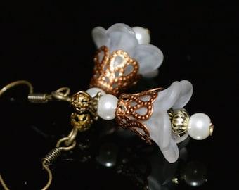 White lucite flower earrings vintage boho shabby women gift