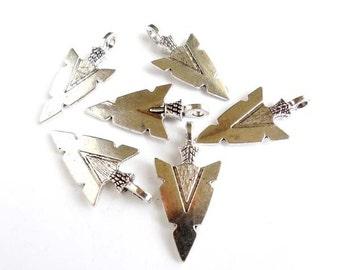 6 Antique Silver Arrow Head Charms - 27-33-1
