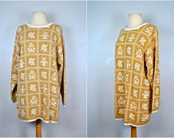 Vintage Beige and White Sweater With Metallic Threads